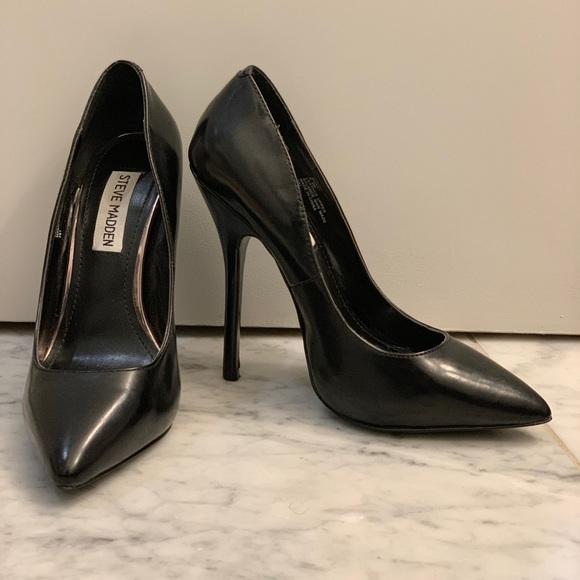 2dc5e109794 Steve Madden Black Leather Heel